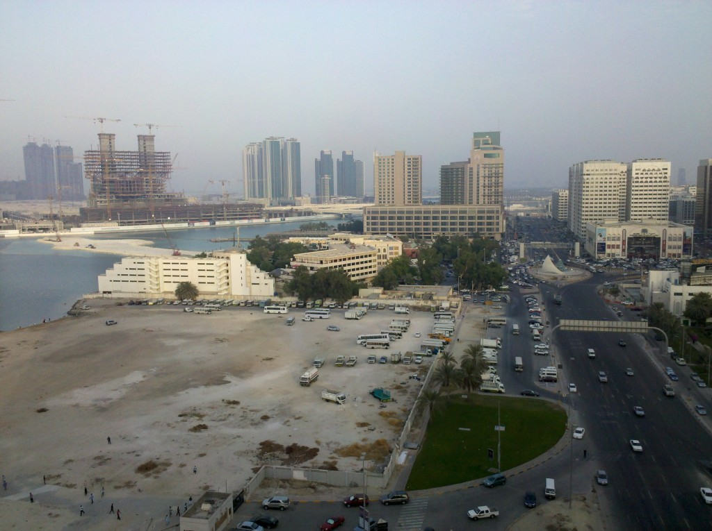 Abu Dhabi - Sustainable Population Growth with Local Resources?